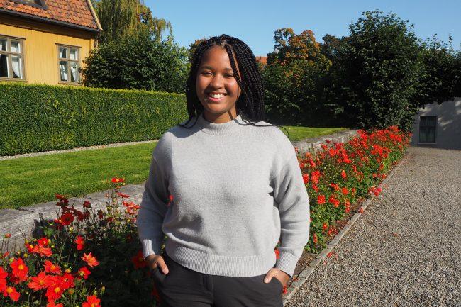 Intervju med Grace Tabea Tenga. Fotografert i Botanisk hage