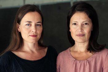 Goksøyr & Martens. Bilde av to kvinner.